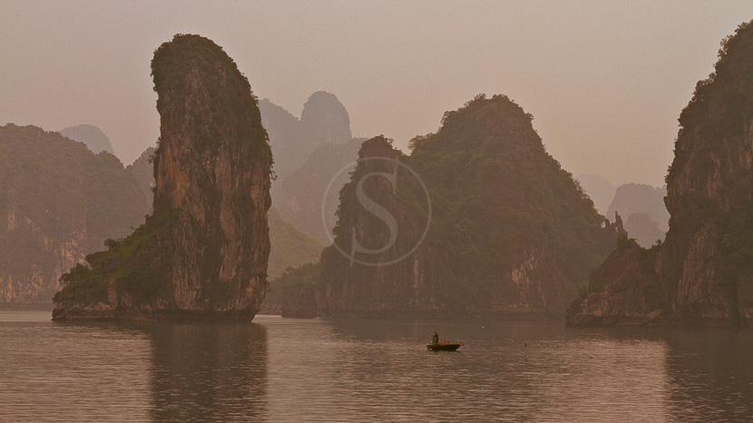 Jonque privée dans la Baie d'Halong, Baie d'Halong, Vietnam