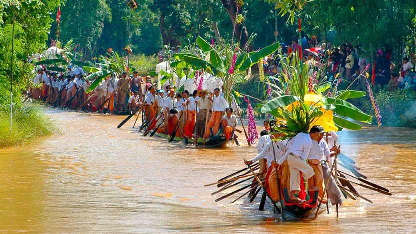 Lac Inle, Fesrival de Phaung Daw U en  septembre / octobre, Myanmar