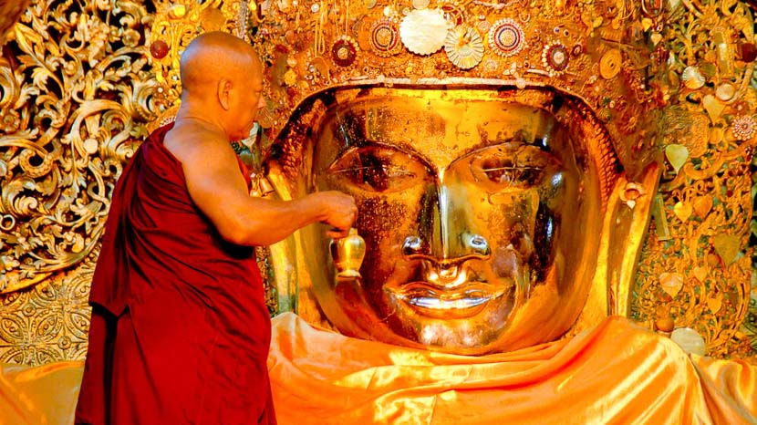 Mandalay, Mahamuni Buddha de Mandalay, Birmanie © Shutterstock