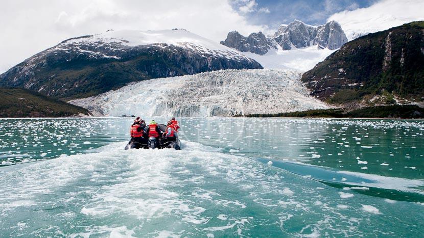 Croisière Australis : fjords de la Terre de Feu, Croisière sur le Via Australis, Terre de Feu © Cruceros Australis