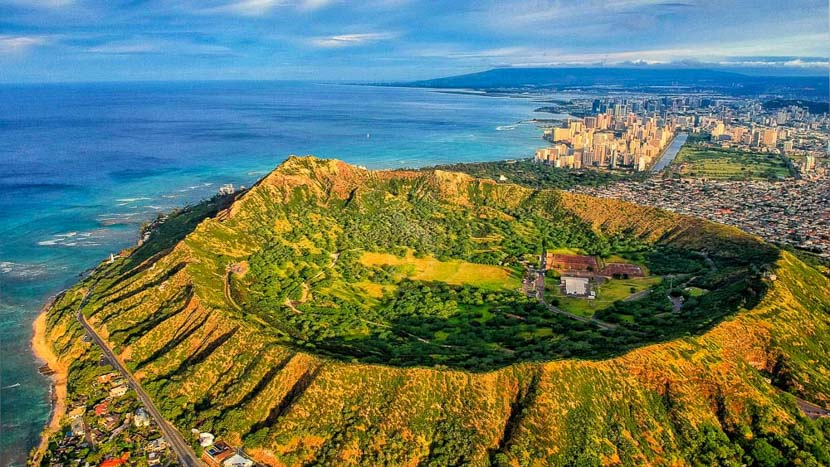 Oahu, Volcan Diamond Head, Hawai © Shutterstock