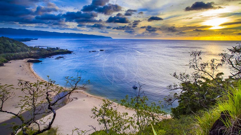 Oahu, Waimea Bay, Hawai © Shutterstock